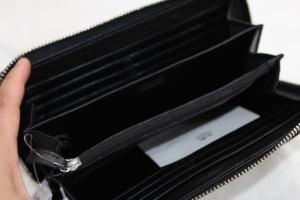 新しい長財布